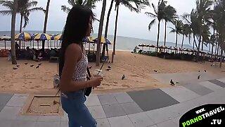 Teen Thai girl loves big dick