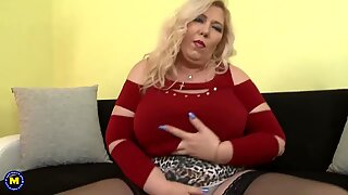Busty natural mature mother with hot body