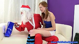Euro blowjob slut loves jizz on lolly