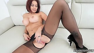 Halloween mom Ryder Skye in Stepmother Sex Sessions