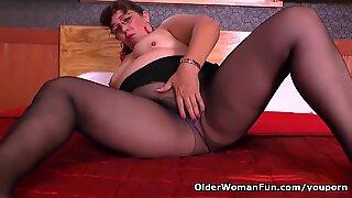 Latina milf Maribel plays with her sex toys