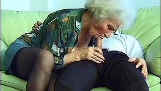 Busty mom doing deepthroat sex