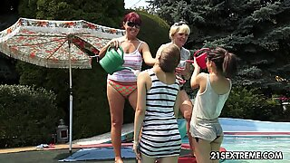 Mindblowing oldyoung foursome lesbian galore