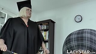 Dyke grandma in stockings cums while her pussy is licked